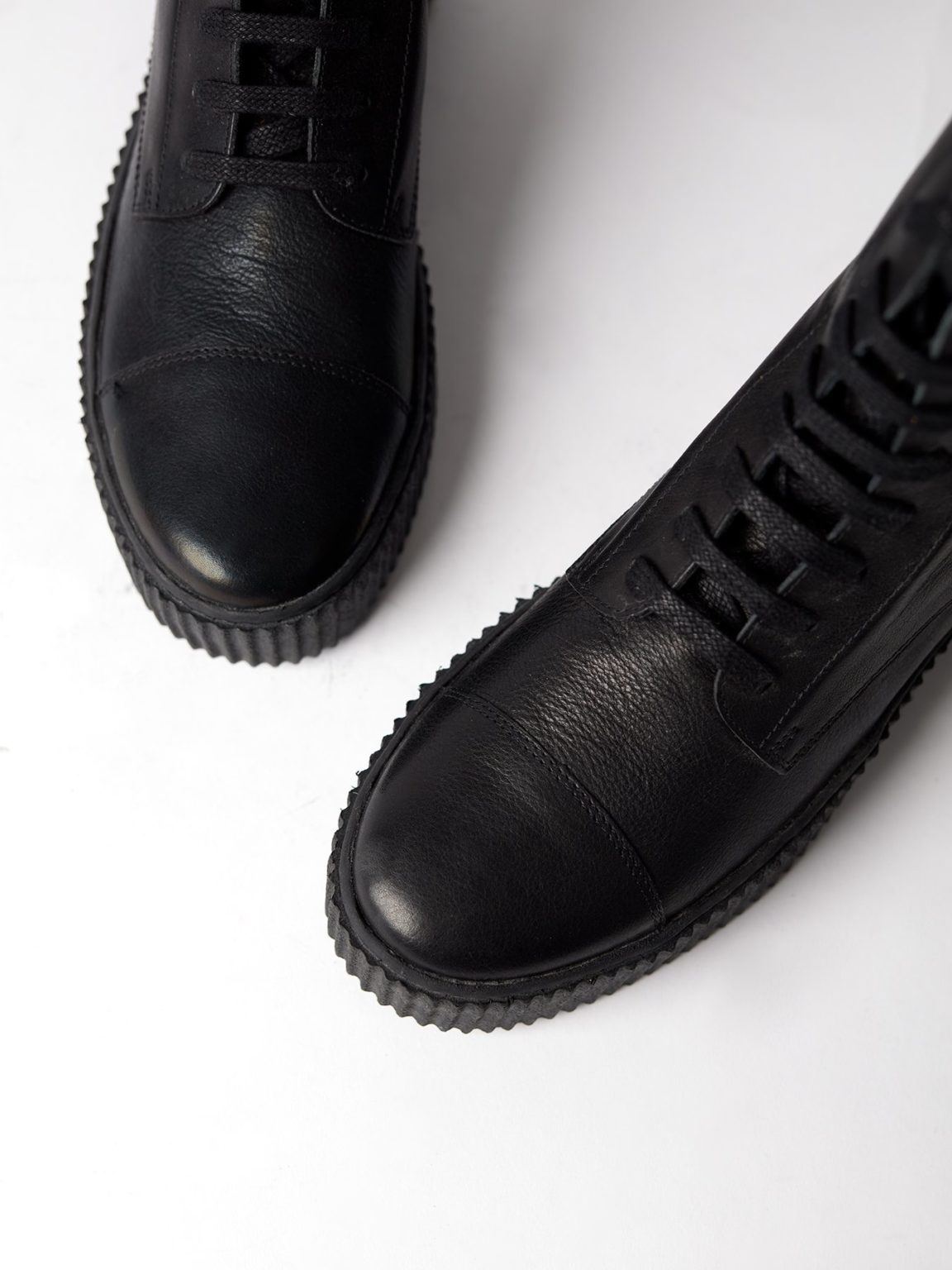 Blankens - The Camden, Black Leather