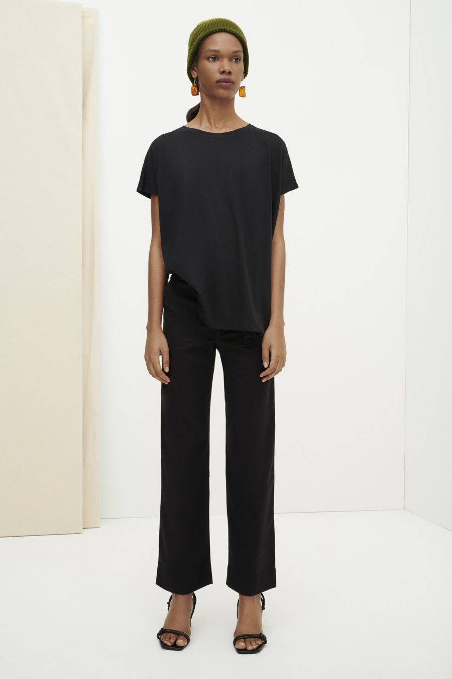 Kowtow - Square Tee, Black
