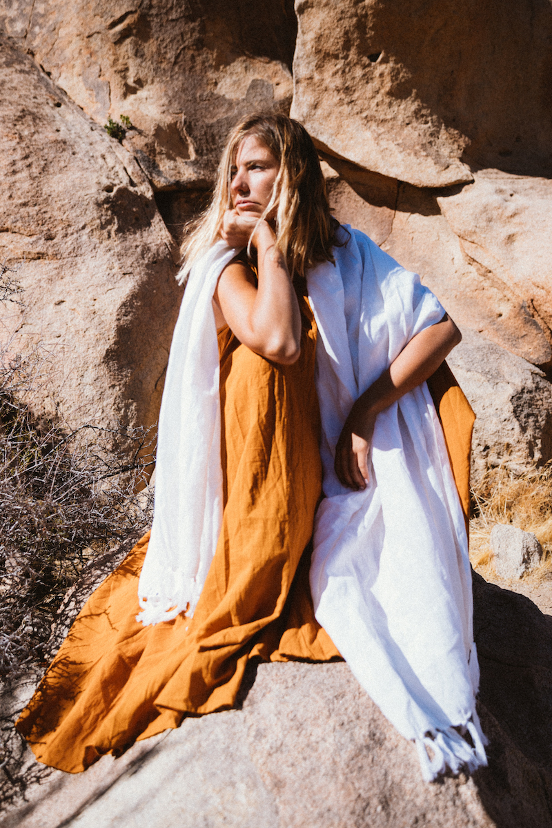 A Perfect Nomad - Everywhere Giant Linen Wrap