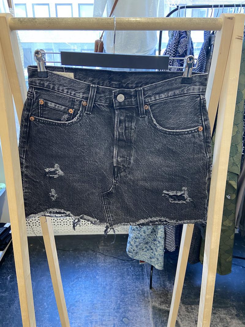 Ecosphere Vintage - Black Levi's Denim Skirt