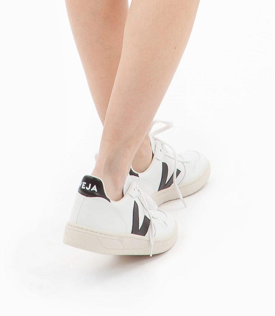 VEJA - V10 Leather, Extra White-Black