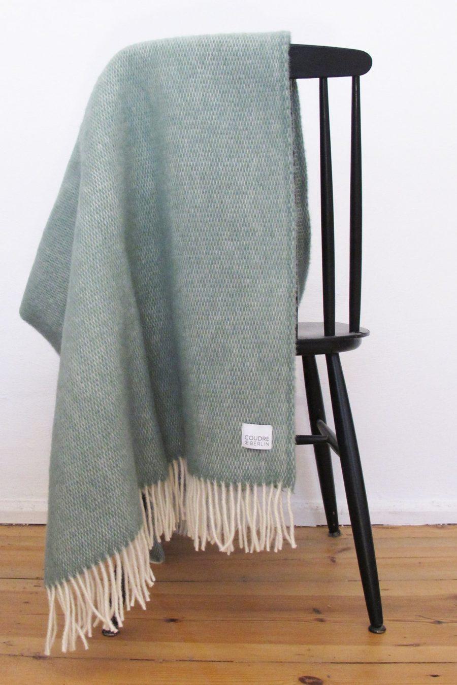 Coudre Berlin - Wool Throw, Pick Stitch Greenstone