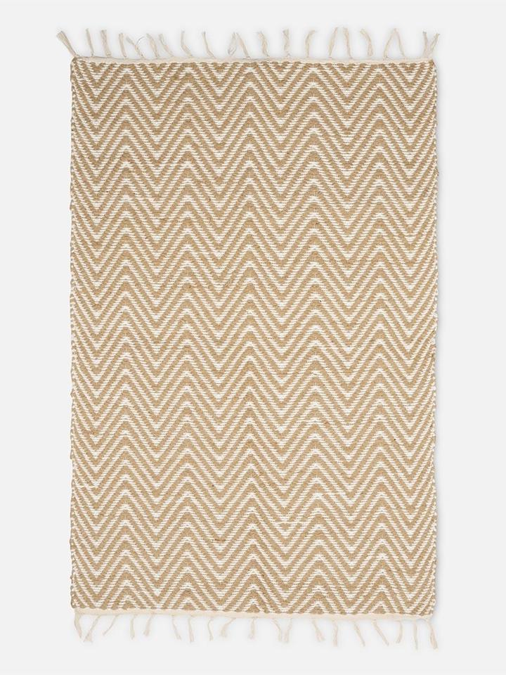 Folkdays - Small Carpet with Zigzag Pattern